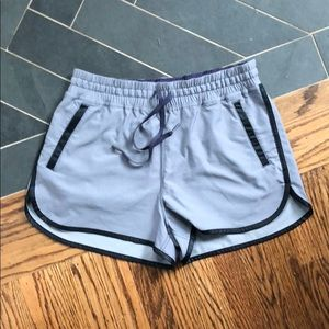 Lululemon Drawstring 3 Pocket Shorts Sz 8 LL